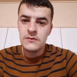 Cupidon.ro - Poza lui Alexandru_nbn, Barbat 28 ani. Matrimoniale Targoviste Romania