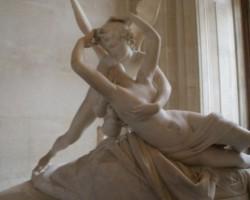 Atins de sageata lui Cupidon