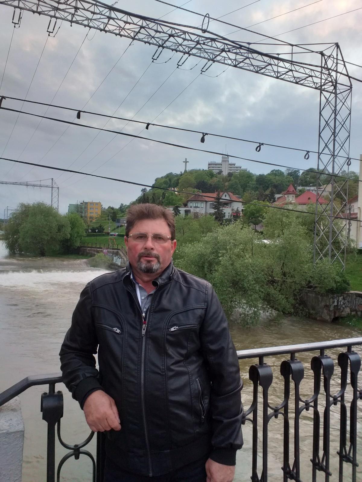 caut o doamna singura din Timișoara