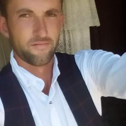 Foto di Grigoremarian, Uomo 25 anni, da Costesti Romania