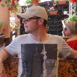 Cupidon.ro - Poza lui Rover, Barbat 39 ani. Matrimoniale Bucuresti Romania