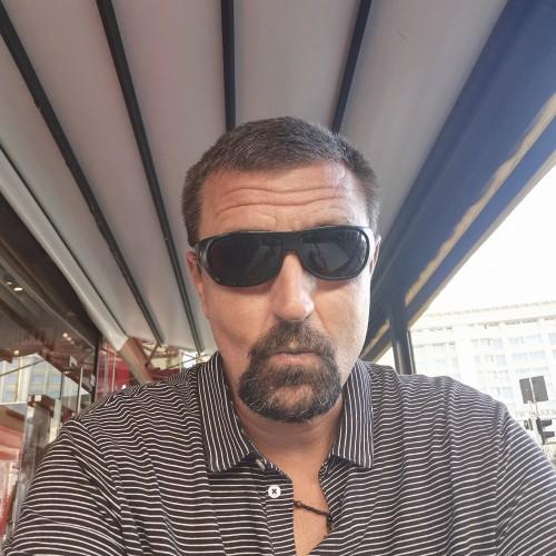 Photo de Giovanni2000, Homme 43 ans, de Bucarest Roumanie
