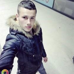 Cupidon.ro - Poza lui Alexio1, Barbat 23 ani. Matrimoniale Ploiesti Romania