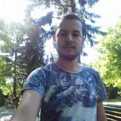 Cupidon.ro - Poza lui AlbertNiceStar1, Barbat 25 ani. Matrimoniale Targoviste Romania