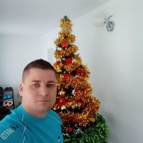 Foto di AlexandruM, Uomo 28 anni, da Alexandria Romania