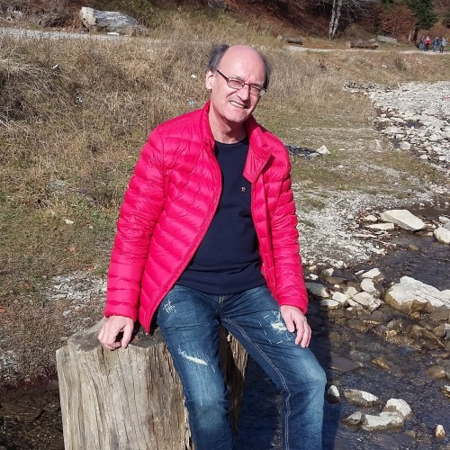 Photo de olivian, Homme 66 ans, de Bucarest Roumanie