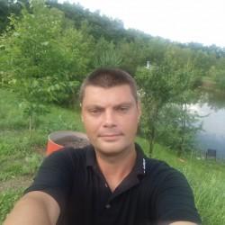 Cupidon.ro - Poza lui Benyi, Barbat 43 ani. Matrimoniale Sibiu Romania