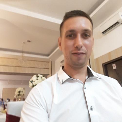 Cupidon.ro - Poza lui razvan88, Barbat 31 ani. Matrimoniale Costesti Romania