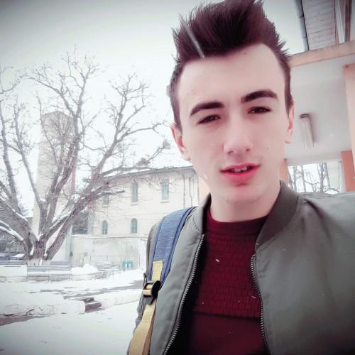 Cupidon.ro - Poza lui Lucianabss, Barbat 21 ani. Matrimoniale Botosani Romania