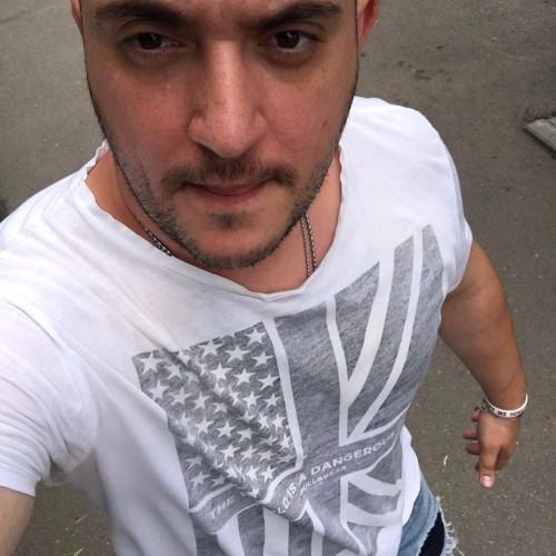 Cupidon.ro - Poza lui Joshua_Razvan, Barbat 32 ani. Matrimoniale Bucuresti Romania