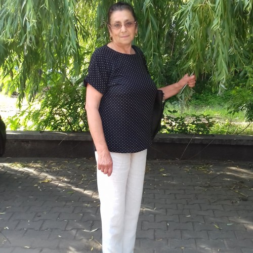 Photo de Dorinda, Femme 69 ans, de Adjud Roumanie