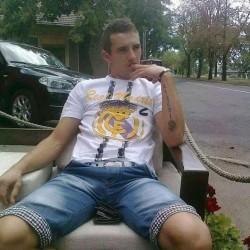 Cupidon.ro - Poza lui Clau85, Barbat 35 ani. Matrimoniale Oradea Romania