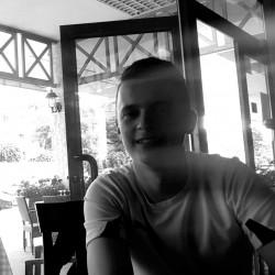 Cupidon.ro - Poza lui Stefanel24, Barbat 24 ani. Matrimoniale Onesti Romania