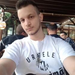 Cupidon.ro - Poza lui razvan98, Barbat 22 ani. Matrimoniale Timisoara Romania